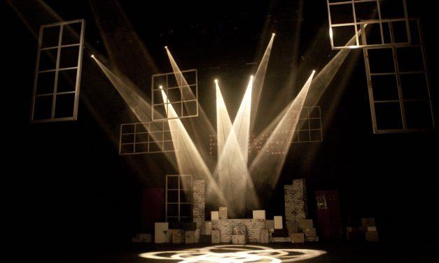 Lavorare dietro le quinte del teatro: Lo scenografo e il Costumista