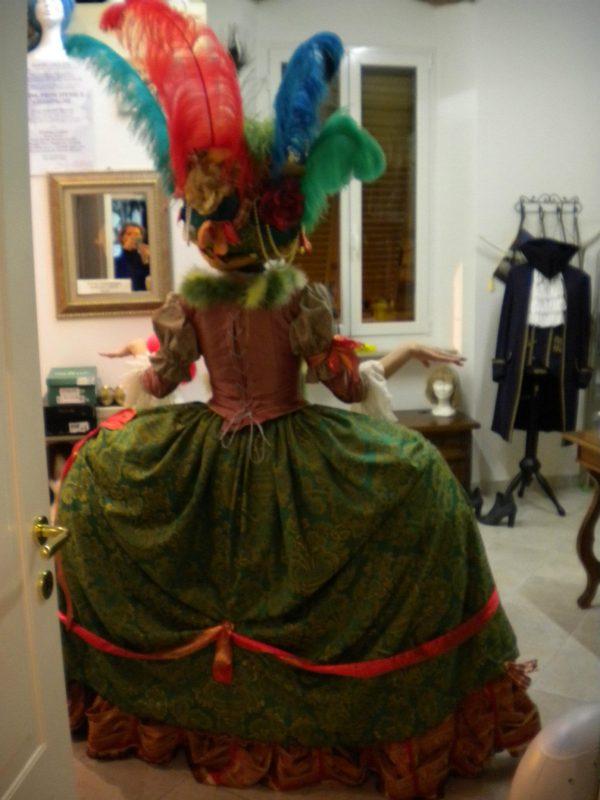 Il retro del costume di Beatrice in preparazione