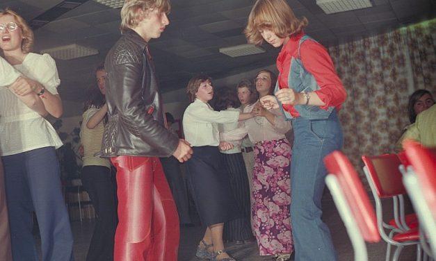 Tutorial di Costume Teatrale: la Moda negli anni '70 del Novecento
